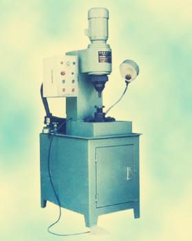 采购时选择气动铆接机好还是液压铆接机好?
