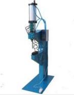 铆接机液压系统的特点
