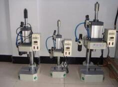 悬挂式液压铆接机液压主机