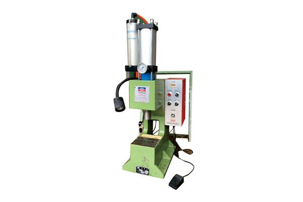 气液增压铆接机 DF-MC-2