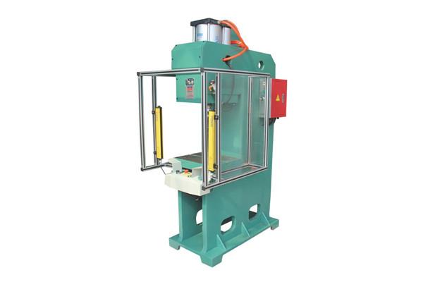 气液增压铆接机 DF-PCG