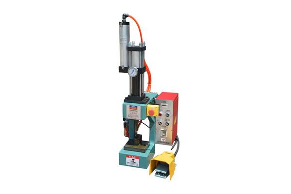 气液增压铆接机 DF-MC-1